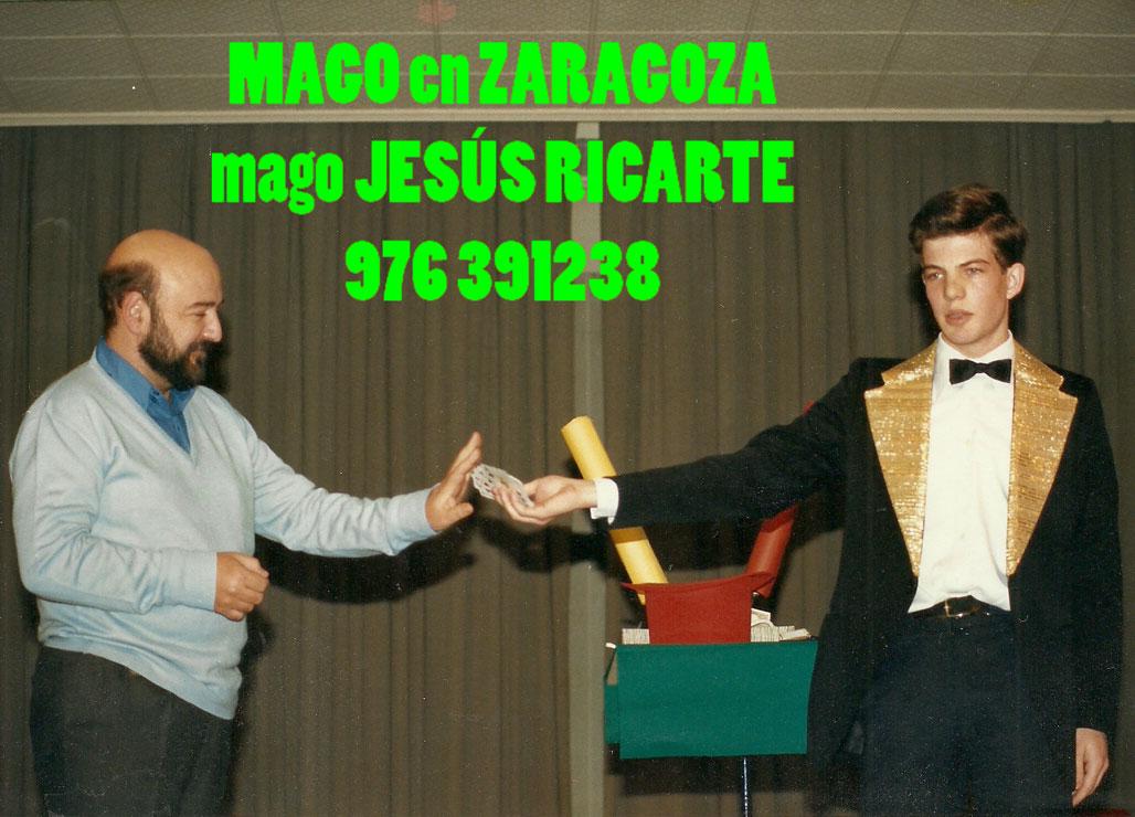 Mago para colegios en Zaragoza Jesús Ricarte. Magia y diversión.